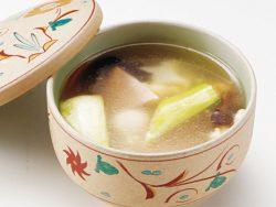 塩味スープのわんたん 740円(税別)